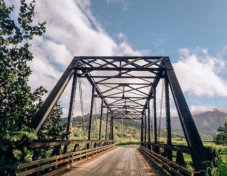One lane bridge on the island of Kauaii