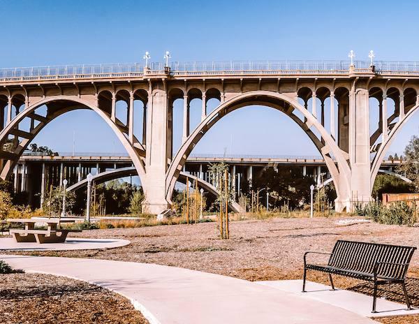 overlook of historic bridge in pasadena